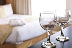 Water treatment for hotel and hospitality industry - Glasses no spot - Culligan